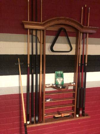 This Is An 8 Foot Pool Table Billiard Set Sticks Rack To Hold Light And 2 American Heritage Chairs